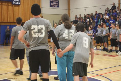 Juniors Win Pep Rally Tug-of-War