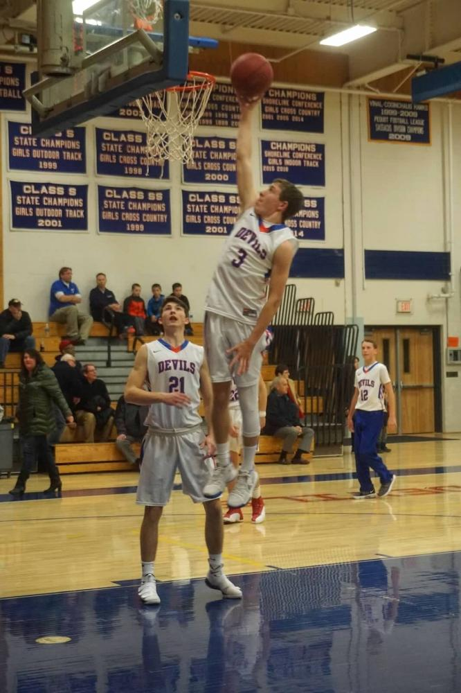 Boys Basketball Looks to Battle Back from 5-6 Record