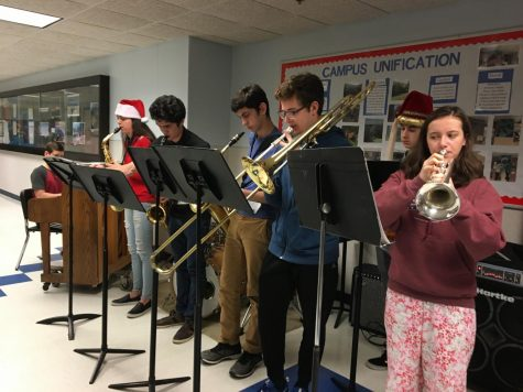 Jazz Combo Dashing Through the Halls
